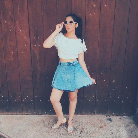 look-saia-jeans-blusa-branca-ciganinha